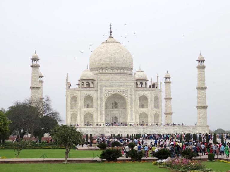 Mausoleum and minarets, Taj Mahal